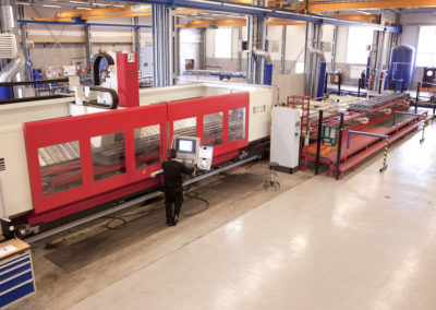 Machining of extra long products. Hedelius bed mill